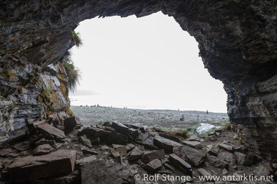 Robbenfängerhöhle (Sealer's cave), Fortuna Bay, Südgeorgien