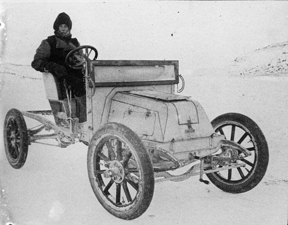 Das erste Auto in der Antarktis