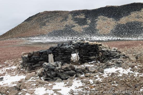 Die Steinhütte von Larsens Gruppe auf Paulet Island (2012)