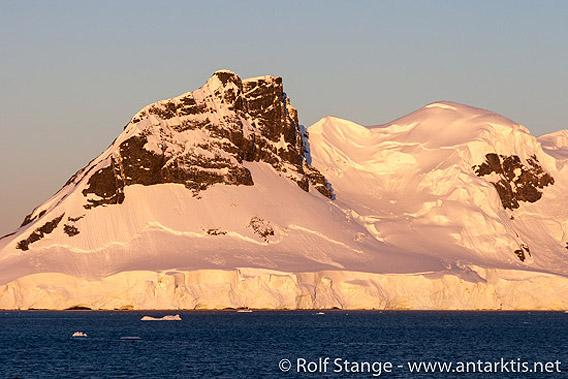 Abendlicht Gerlache Strait, Antarktis