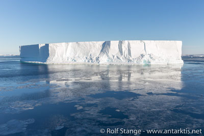 Tabular iceberg, Ross Sea
